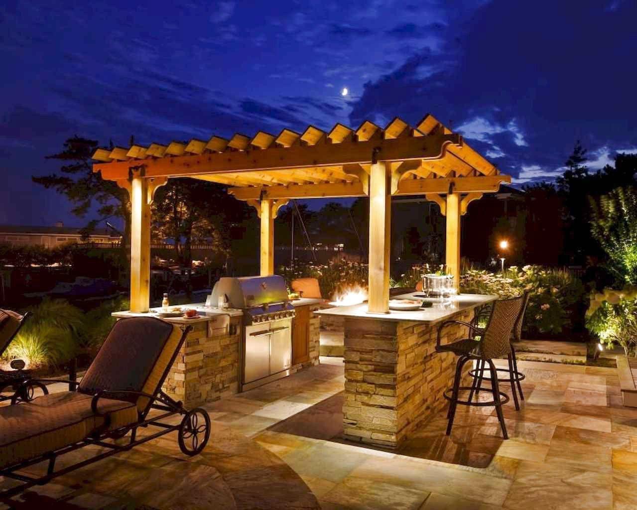 63 Stunning Backyard Privacy Fence Decoration Ideas On A