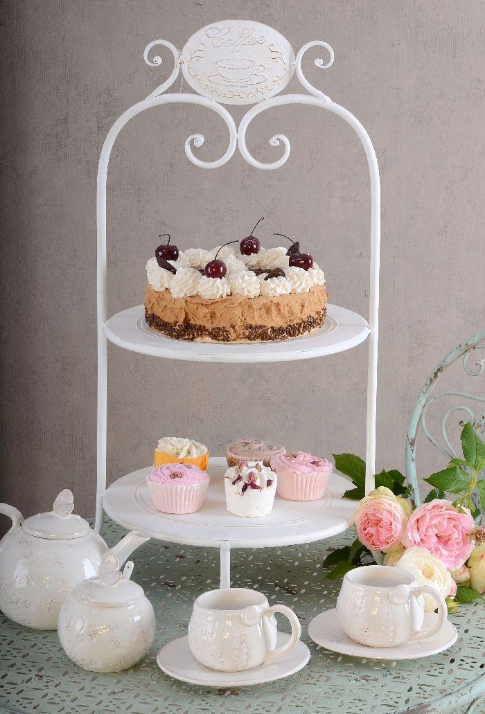 etagere weiss f r cupcakes im landhausstil tortenst nder vintage wedding ideas pinterest. Black Bedroom Furniture Sets. Home Design Ideas