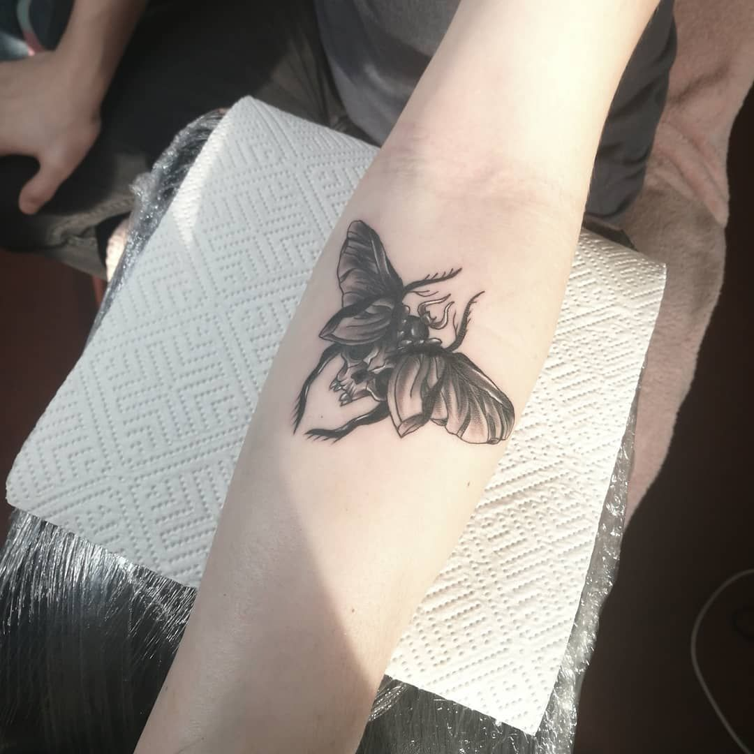 Bug tattoo. . . . . . #bugtattoo #bug #armtattoos #forearmtattoo #tattoodesigns #skull #skulltattoo #latvia #latviatattoo #tattooedlatvian #latviantattooartist #kurosumiink #tattooideasforgirls #tattooideasformen #tattooideas