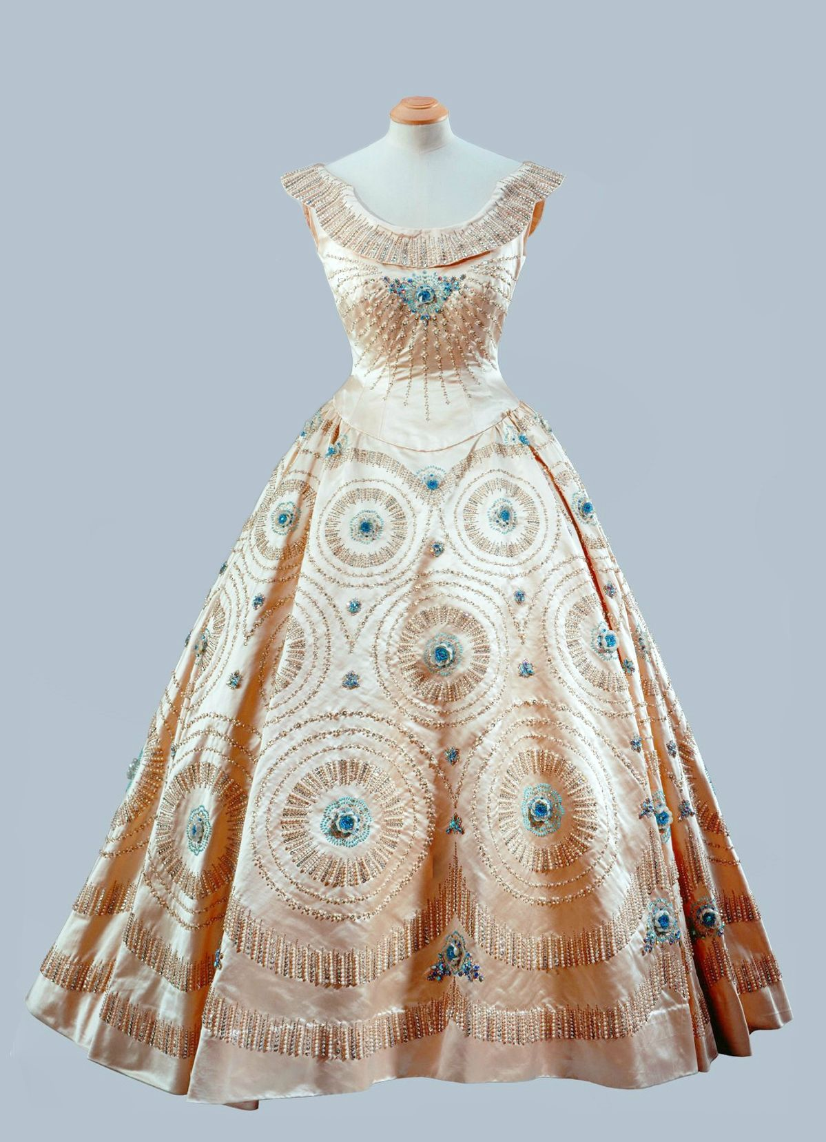 Norman Hartnell Cream Crinoline Gown With Blue Embroidery Alain R Truong Fashion Designer Evening Dresses Historical Dresses [ 1657 x 1199 Pixel ]