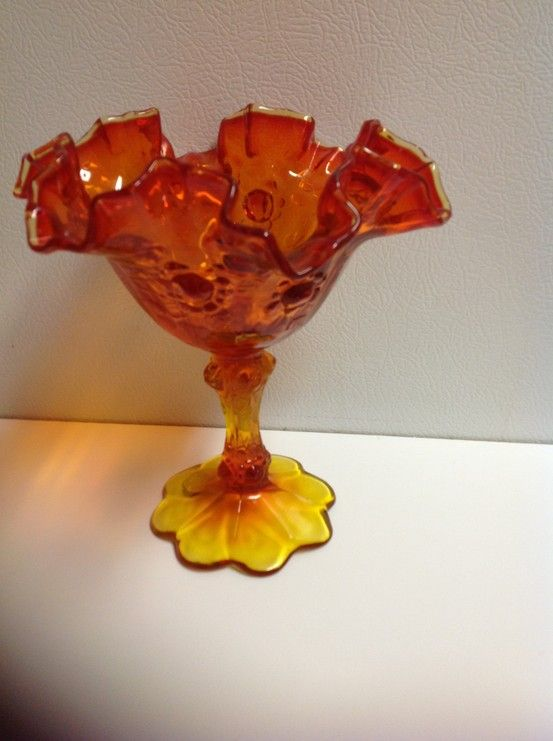 Fenton Vase My Mom Has This Vasecandy Dish With Vases To Match
