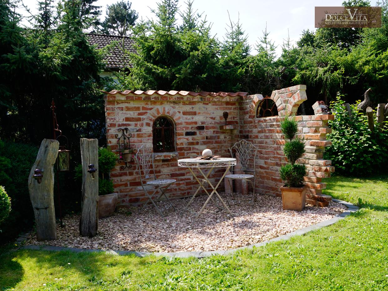 Ruinenmauer Selber Bauen Altpreussische Backsteine Mediterrane Dachziegel Steinmauer Garten Mediterrane Gartengestaltung Gartenmauern