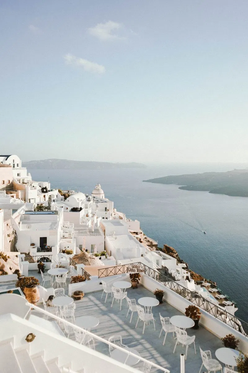 The Ultimate Guide to Santorini, Greece - Bon Traveler #travel