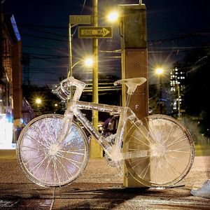 VELOCIPEDE~The Ice Sculpture by Okamoto Studio in our CH for Bonobos Gift Guide