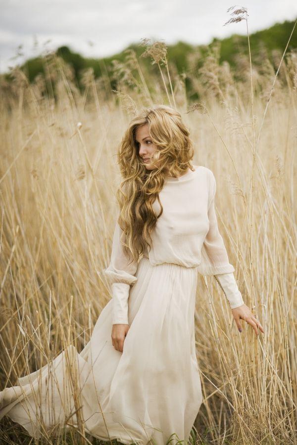 Romantic prairie wedding dress -- Beautiful idea for a country wedding.   By leilahafzi.com