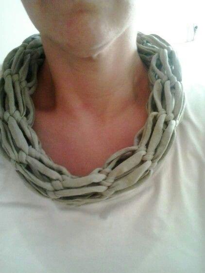 Sjaal van tshirt garen zelf gemaakt....