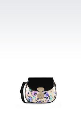 Armani Messenger Bags Für sie vom runway: umhängetasche aus lackleder Erhätlich bei armani.com - wenn Sie über www.bestcash4you.de auf die Seite gehen, erhalten Sie zusätzlich 7,2 % Cashback. Wie Sie auch bei weiteren 1600 Shops und Anbietern Cashback erhalten erfahren Sie unter www.bestcash4you.de