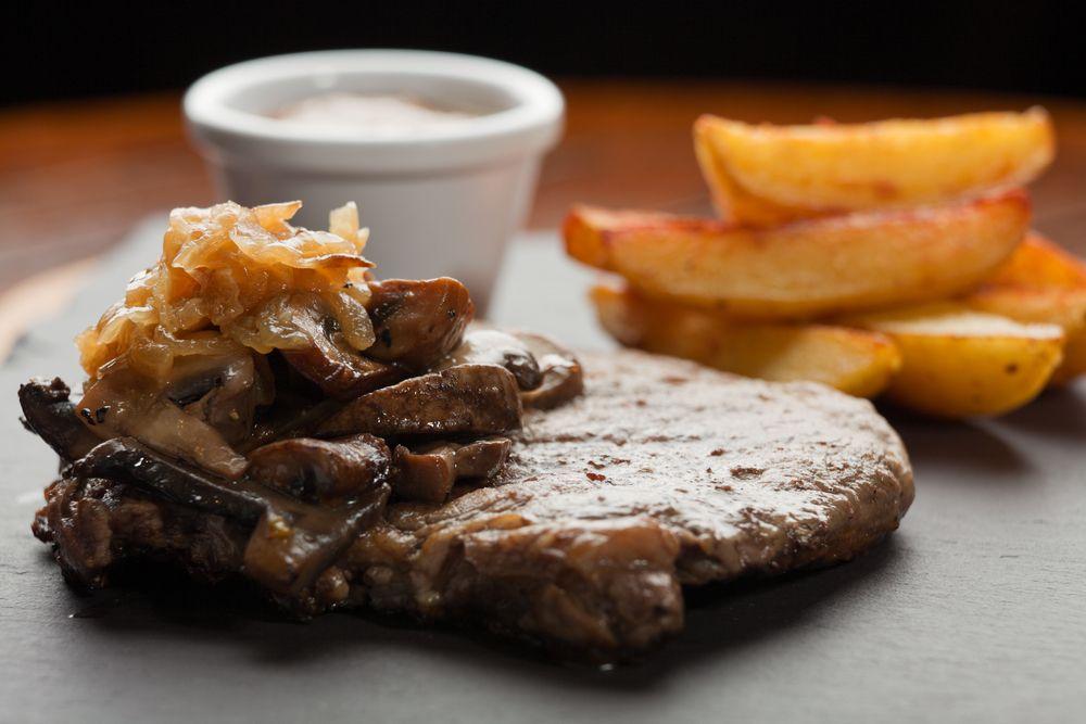 bistec en salsa de setas
