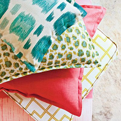 tips on how to successfully mix colors and patterns