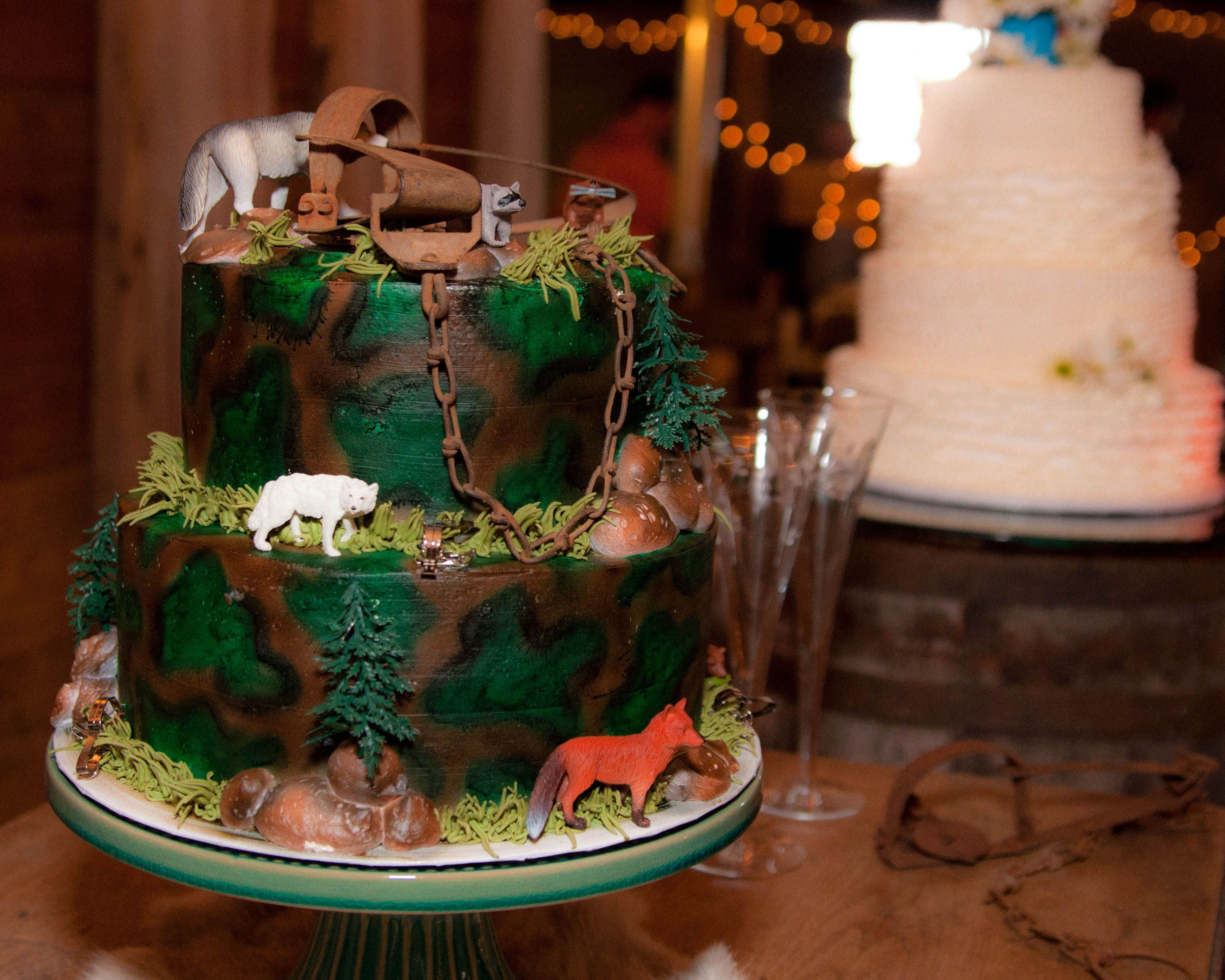 CAMO Mountain mantrapper cake for the groom Cake Pinterest