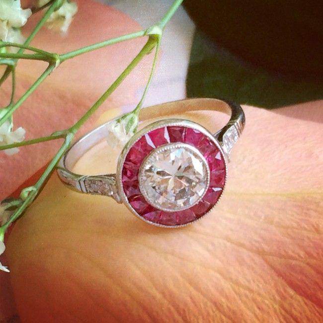 Pin By Natasha Guinness On Round Brilliant Diamond Rings