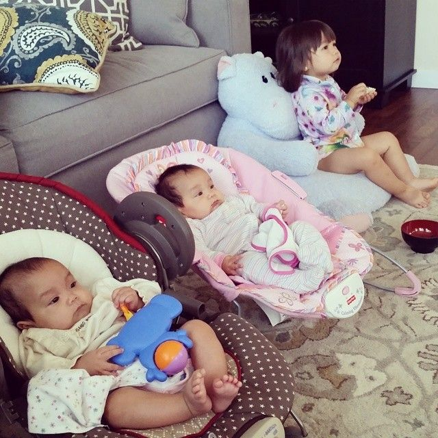 Earlier this morning... #itsjudyslife #twins #Miyabear #KeiraBear #juliannabear @benjimanfood