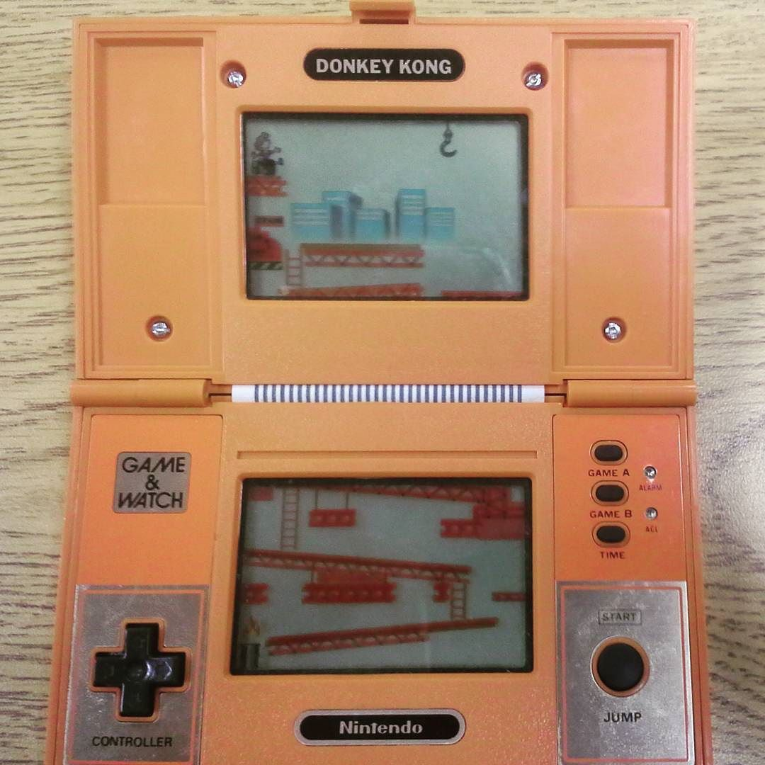On instagram by paper.pat #retrogames #microhobbit (o) http://ift.tt/1nsmvhj Kong: Game and Watch version #donkeykong #gameandwatch