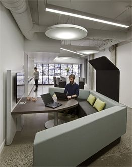 Collaborative workspace with integrated access to for Bureau plus montreal