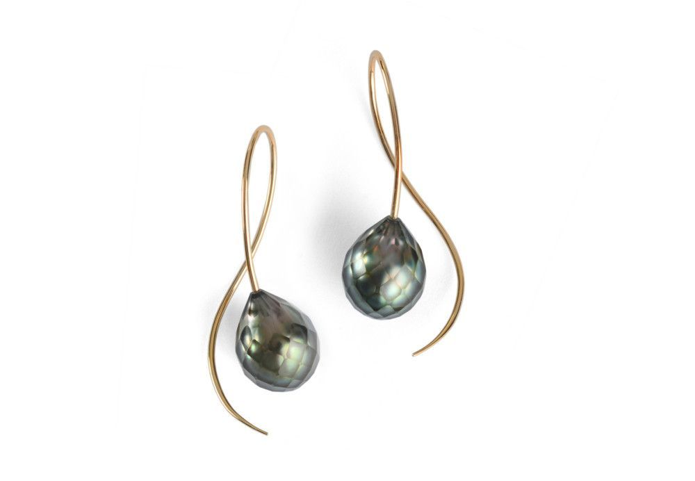 1ffae40a621 Elegant drop earrings made from 18 carat gold wire with faceted black  Tahitian pearls. Faceted