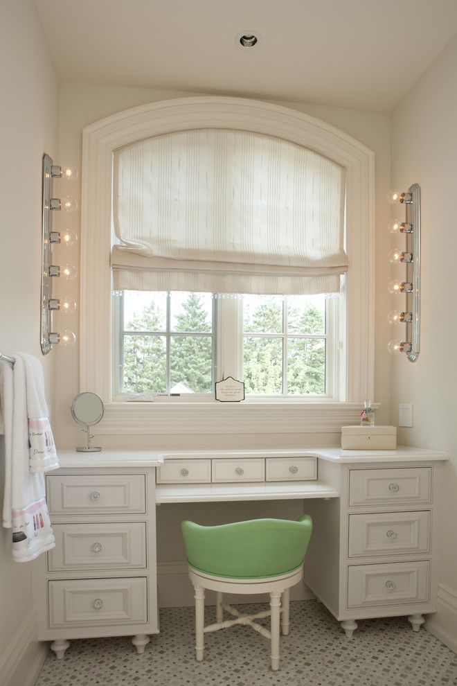makeup vanities Bathroom Traditional with beige molding