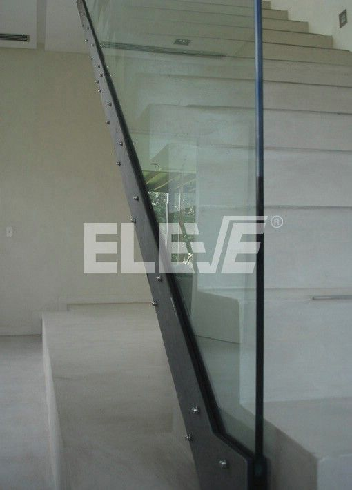 Foto De Baranda Fijaciones De La Estructura De Sostén Barandas Baranda Vidrio Escaleras Modernas