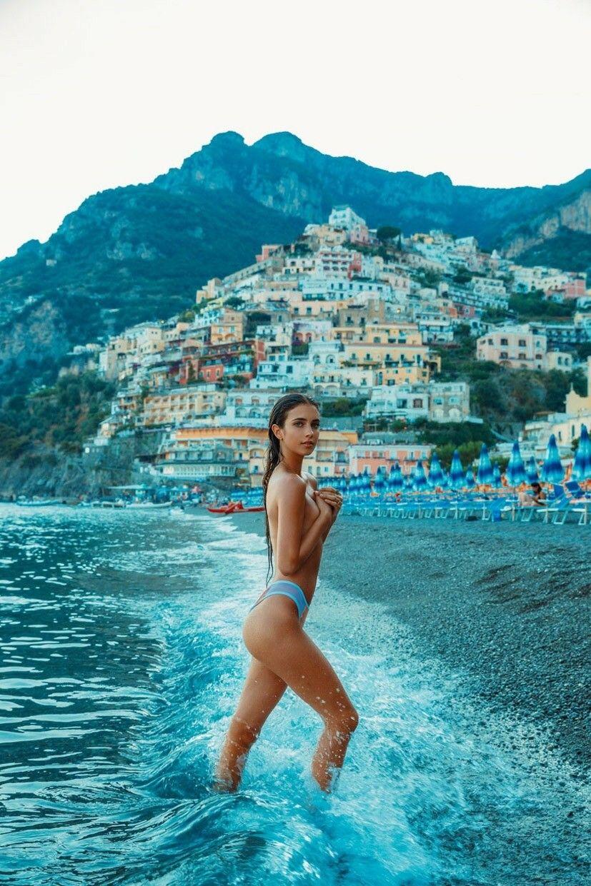 Celebrites Renee Herbert nude photos 2019