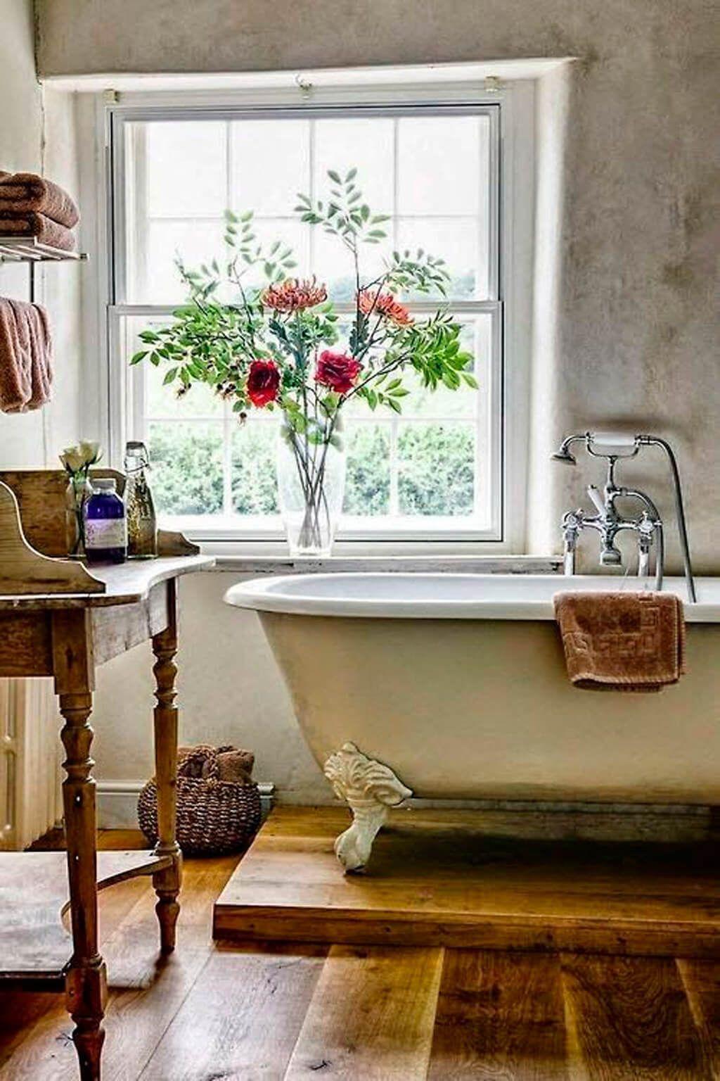 Farmhouse bathroom design - Farmhouse Bathroom D Cor With Elevated Bathtub