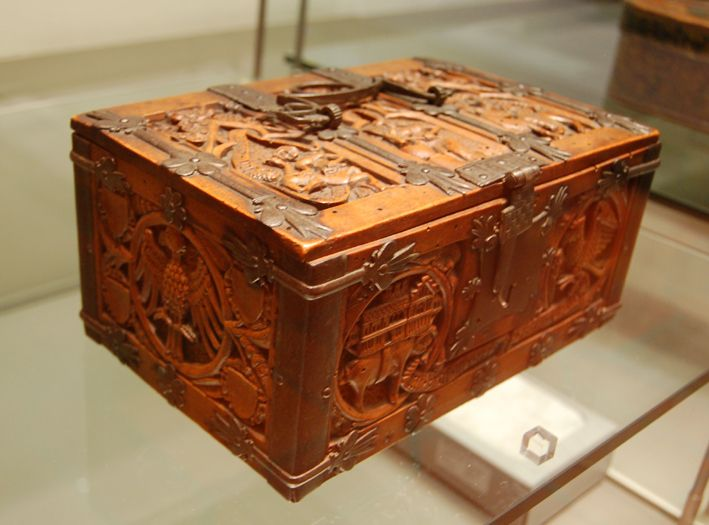 The Museum Fur Angewandte Kunst In Cologne Germany Has A Large Collection Of Small Medieval Caskets Often Called Medieval Furniture Antique Trunk Pear Wood