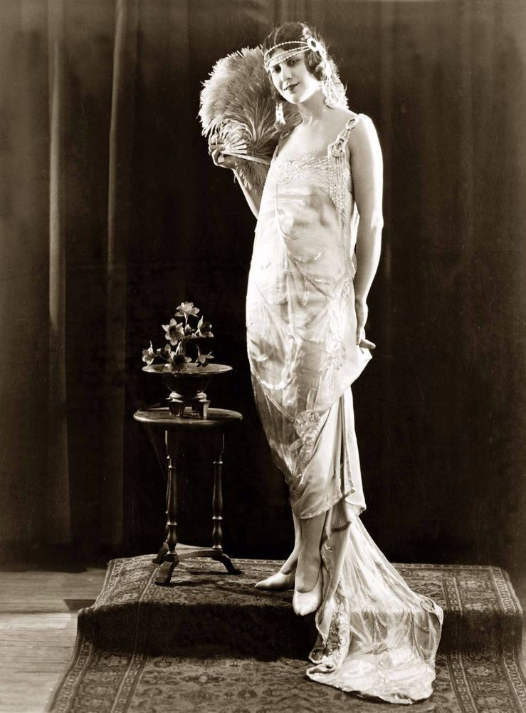 171-E 1920s FLAPPER Risque Leggy PHOTO