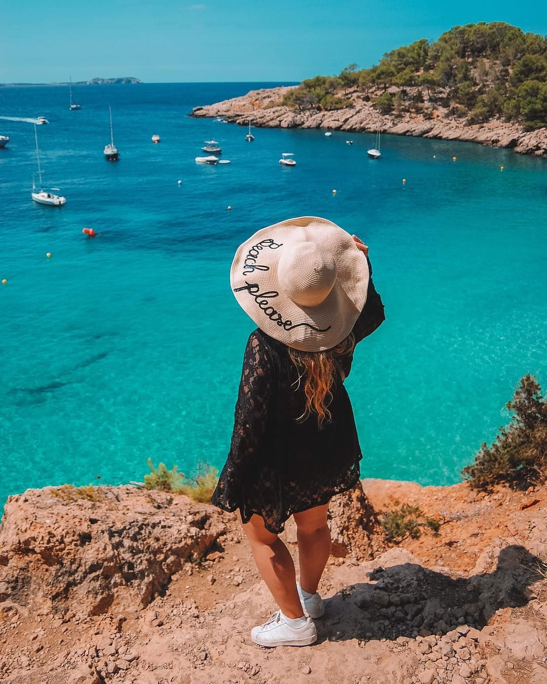 15 Ridiculously Easy Travel Instagram Photo Ideas and