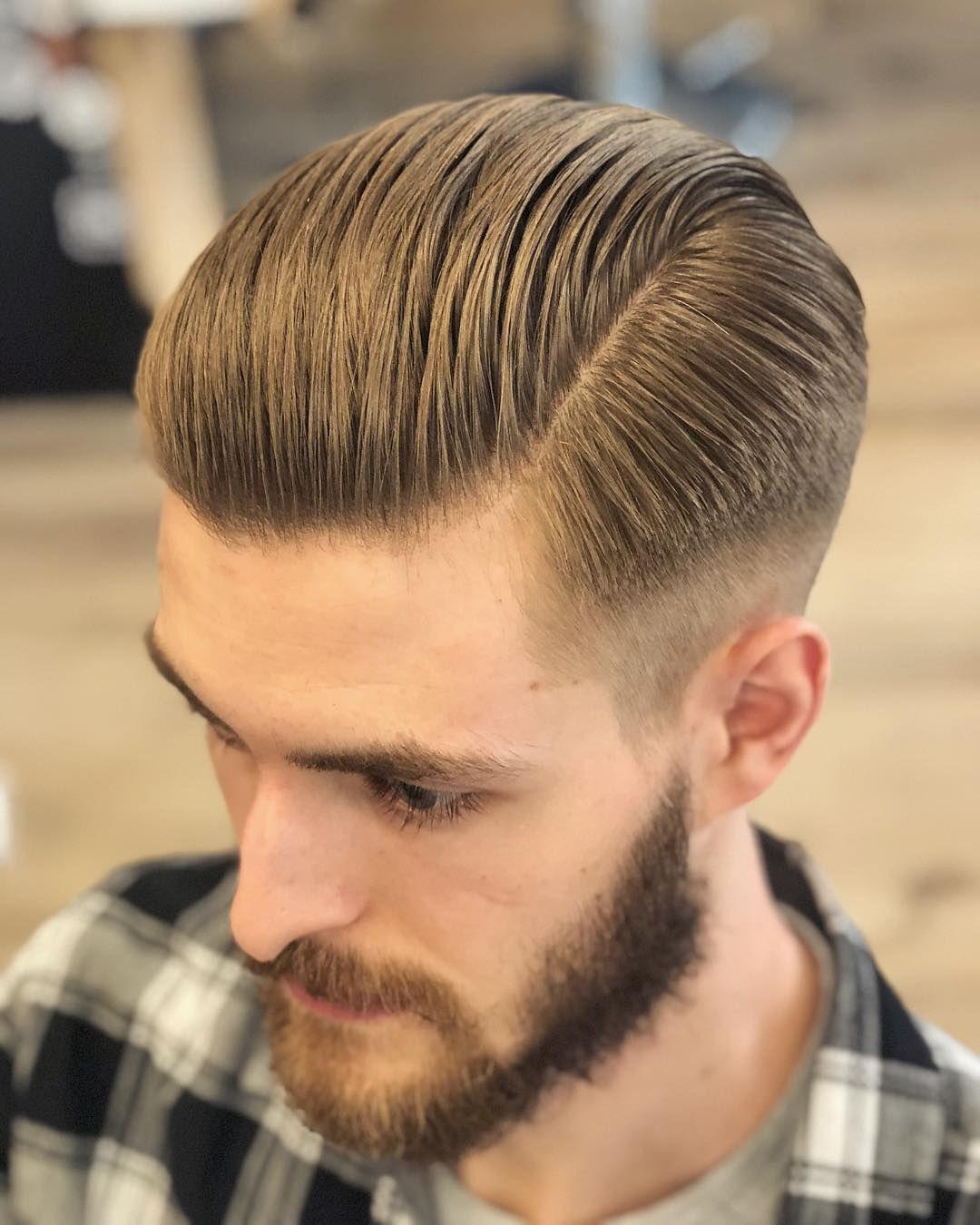 Executive Contour W Wykonaniu Jerzygrzyw Ktory Jest Taki Skromny Ze Nic Nie Wrzuca Na Insta Ferajna Slick Hairstyles Curly Hair Styles Mens Hairstyles