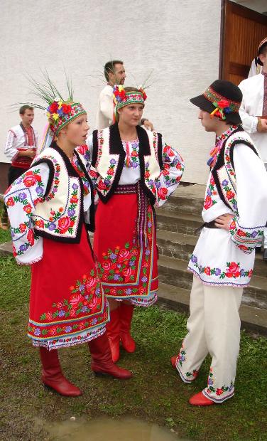 Beautiful Ukrainian Outfits From Iryna Volkstracht Russische Kultur Kultur