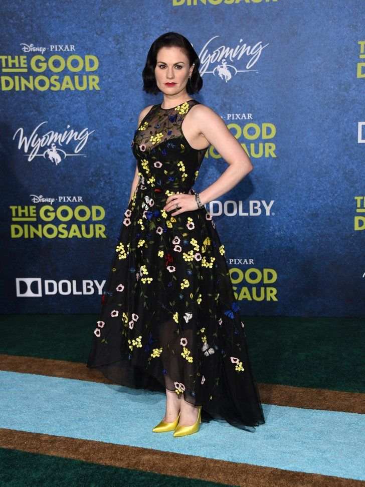 Pin for Later: You Won't Believe What Haters Are Saying About Anna Paquin's Gorgeous Dress  She showed off her eye-catching bracelets and rings.