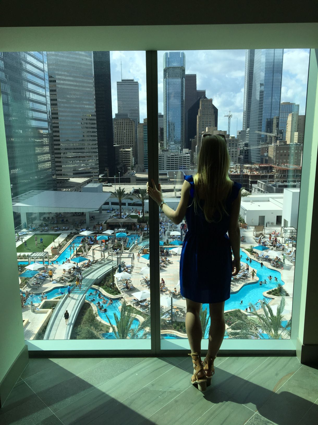 Houston Is Home To Officially The Coolest Pool In Town Texas The World I Mean Have You Seen It Houston Texas Photography Houston Hotels Downtown Houston
