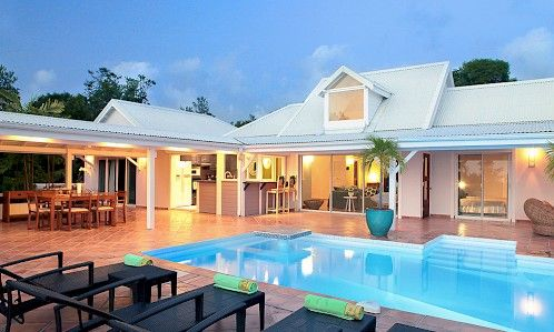 'La Magnolia' is an ideal vacation escape for either families or groups of couples.