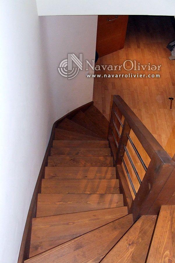 Escalera de madera con barandilla en acero inoxidable ...