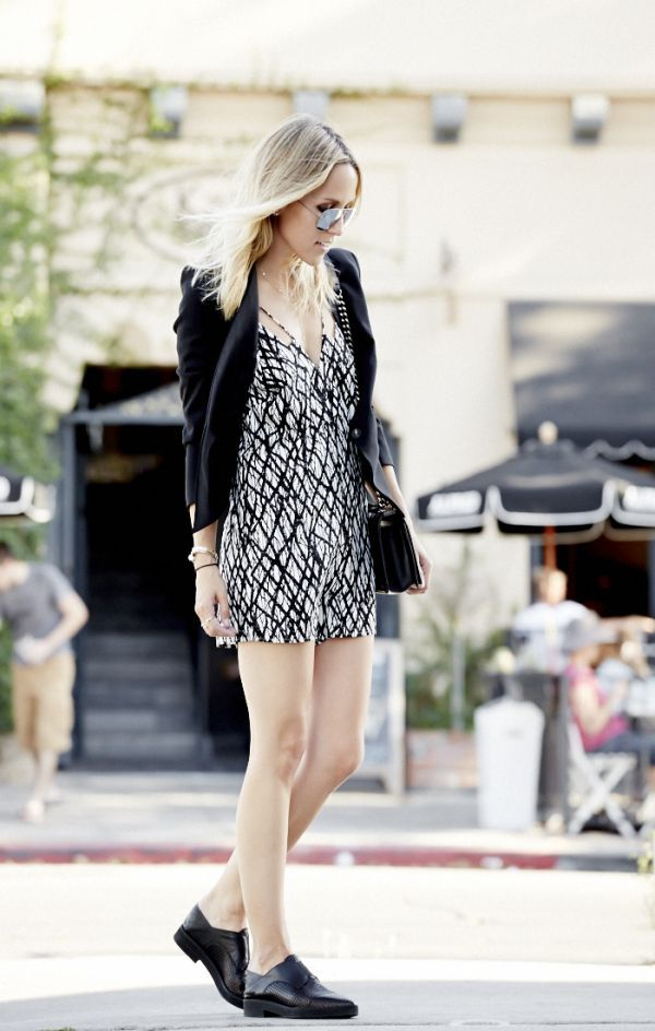 The Key to Wearing Oxfords In the Summer by @thedamselindior on @Rebecca Leckman Alexander http://shar.es/VbZYR