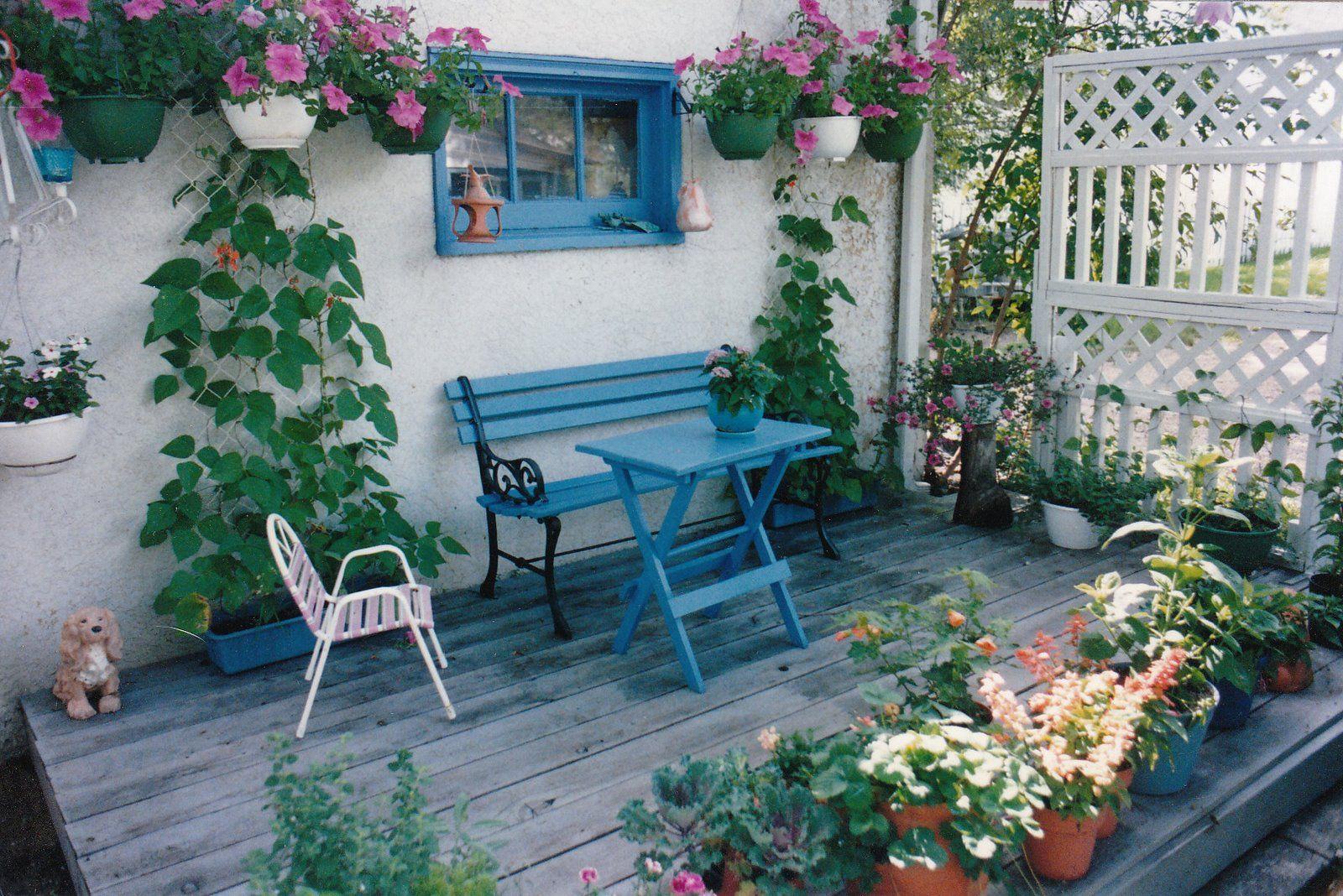 [Garden+small+deck+II.jpg]