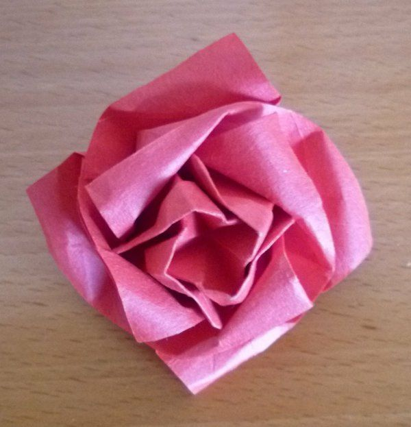 Un origami facile fleur offrir ou pour vous amuser tout en cr ant de belles choses - Pliage serviette fleur rose ...