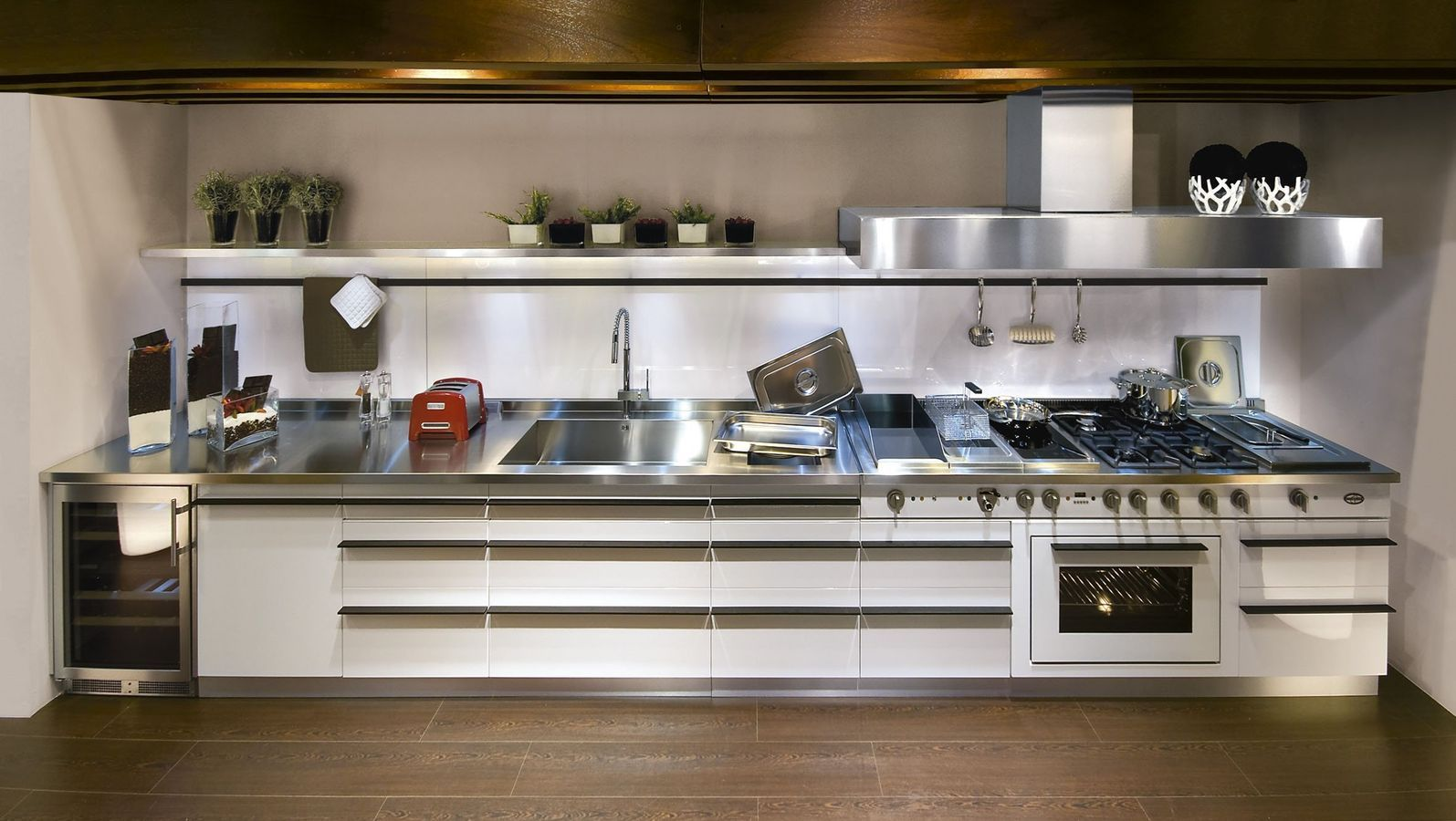 Great Contemporary Stainless Steel Kitchen (profile Handles) AVANT GARDE WHITE J.  Corradi