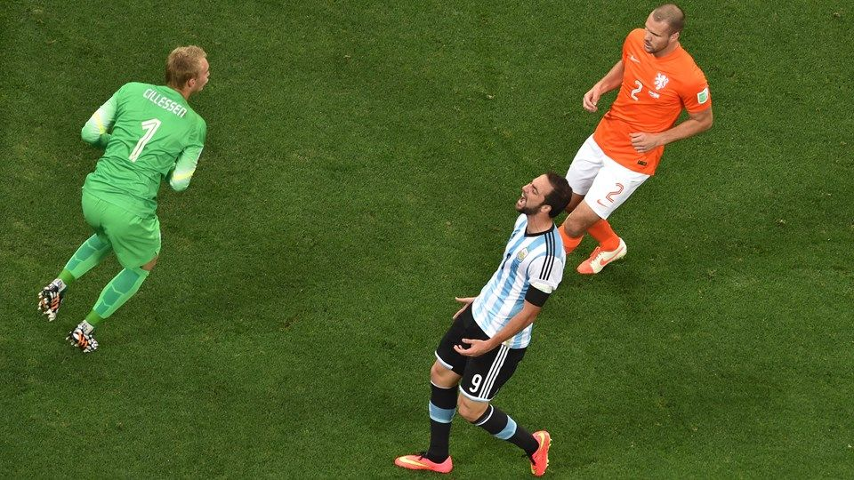 Gonzalo Higuain Of Argentina With Images Fifa Fifa World Cup Photo