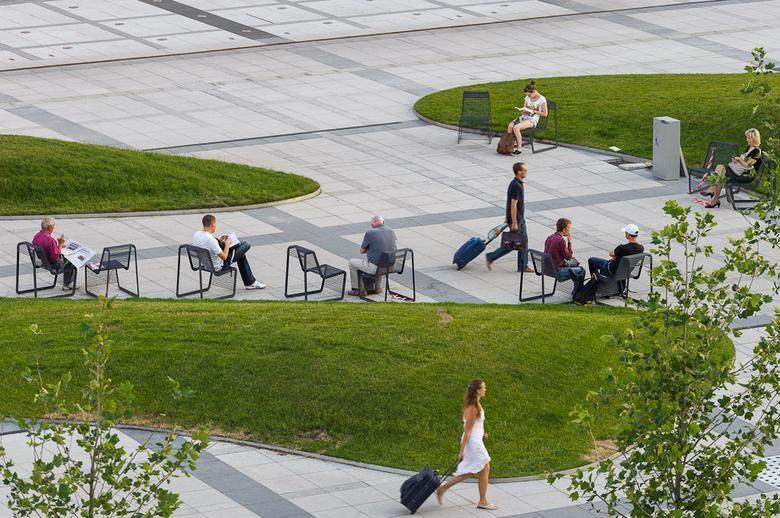Plac Przed Dworcem Wroclaw Glown Landscape Plaza Landscape And Urbanism Landscape Architecture