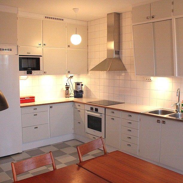 Ikea Kitchen Galley: Retrokök Byggt På IKEAstommar. Lackerade I Kulören NCS