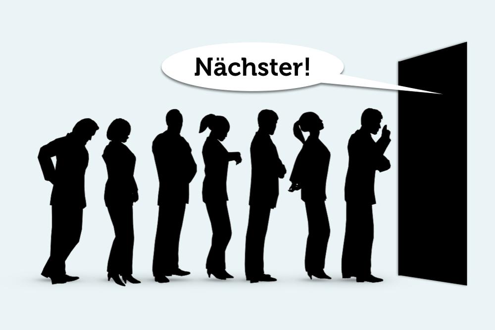 In unserer coolen Jetztness bilden Warteschlangen die letzten verbliebenen Ruheinseln...  http://karrierebibel.de/warteschlange/