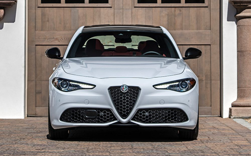 2020 Alfa Romeo Giulia Luxury Sport Sedan Alfa Romeo Giulia Sports Sedan Alfa Romeo