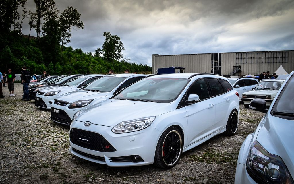 white ford focus st mk3 with big black rims ford focus. Black Bedroom Furniture Sets. Home Design Ideas