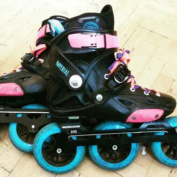 Pink Blue Fast Nice Custom Imperials Triskates With Undercoverwheels And 3x110mm Pleasure Tool Frames Inline Skating Girls Roller Skates Rollerblading