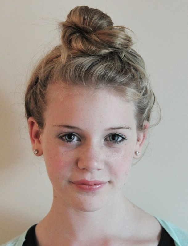 Awesome Tops Top Knot And Knots On Pinterest Short Hairstyles Gunalazisus