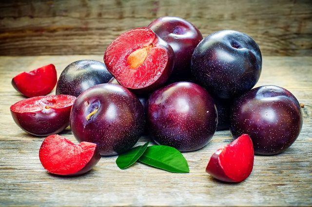 Ameixa: uma fruta rica em benefícios para saúde