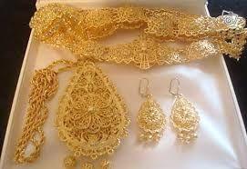 المحزمة الجزائرية وهو حزام من الذهب الجزائر Gold Jewelry Stores Bridal Gold Jewellery Designs Happy Jewelry