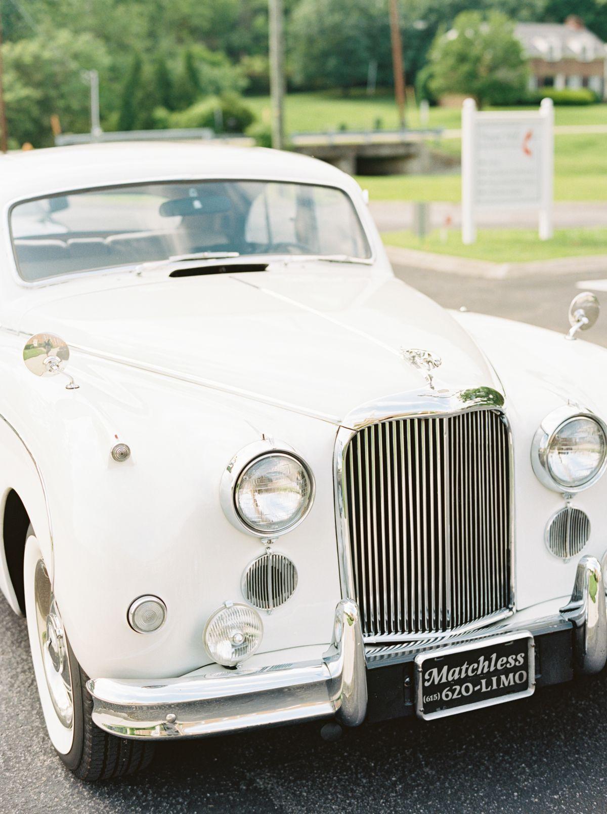 Classic Ravenswood Mansion Wedding by Kristin Sweeting