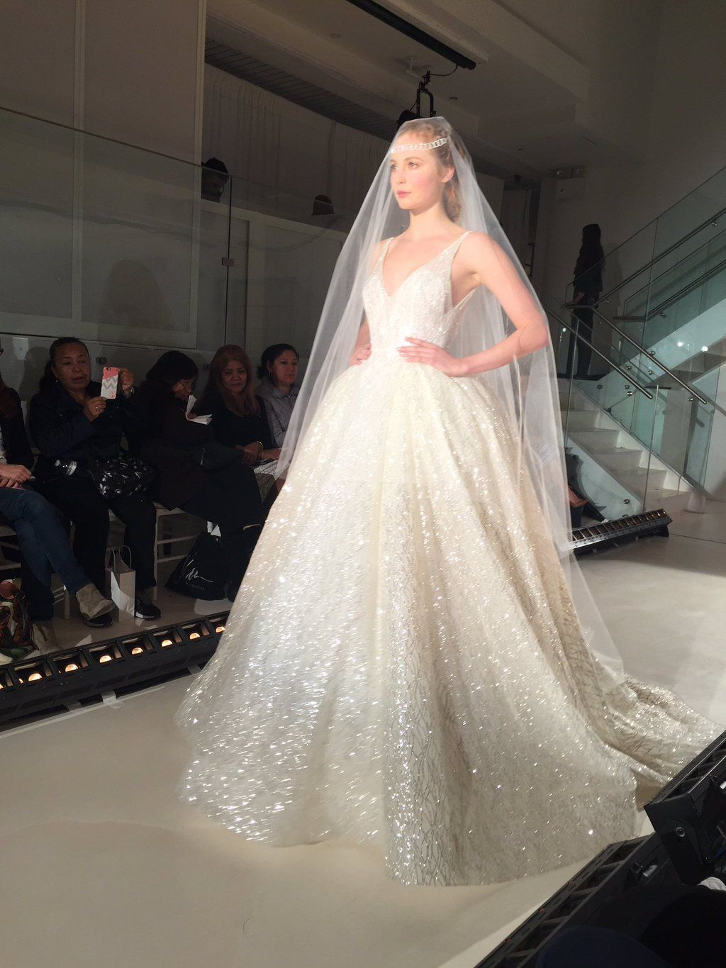Lazaro Herbst 2017 Bridal Collection: The Old Hollywood Glam vor ...