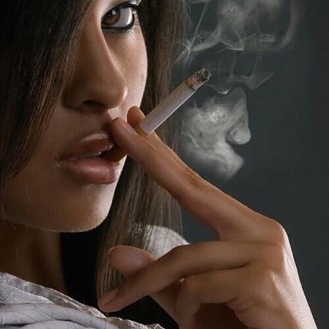 Girls who love to smoke