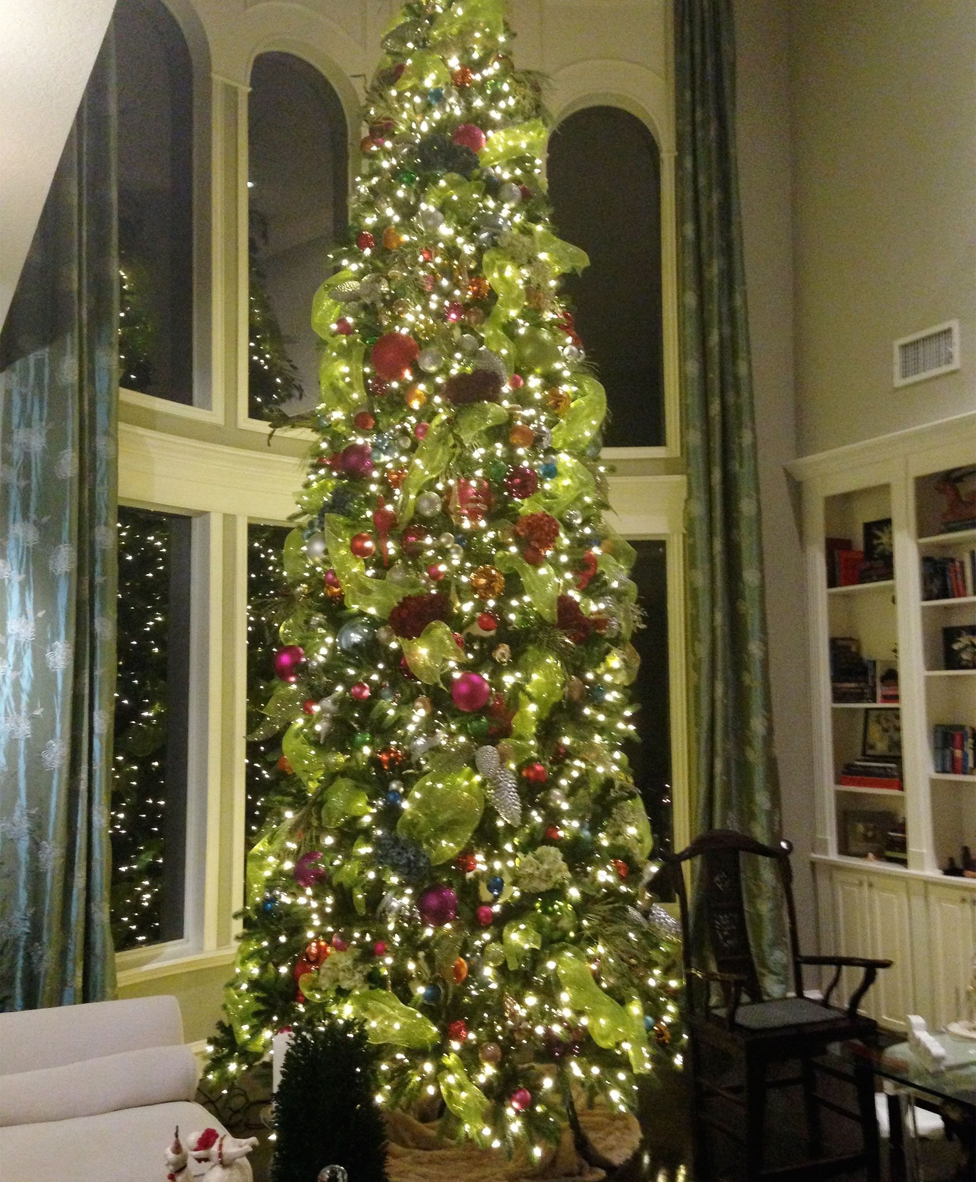 new product d8820 b168a Royal Versailles Giant Christmas Tree   Classic Christmas ...